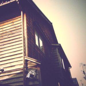 レトロ風の街角スナップ。デジタルカメラで撮影