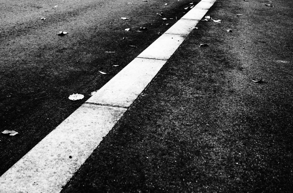 モノクロフォト 道路