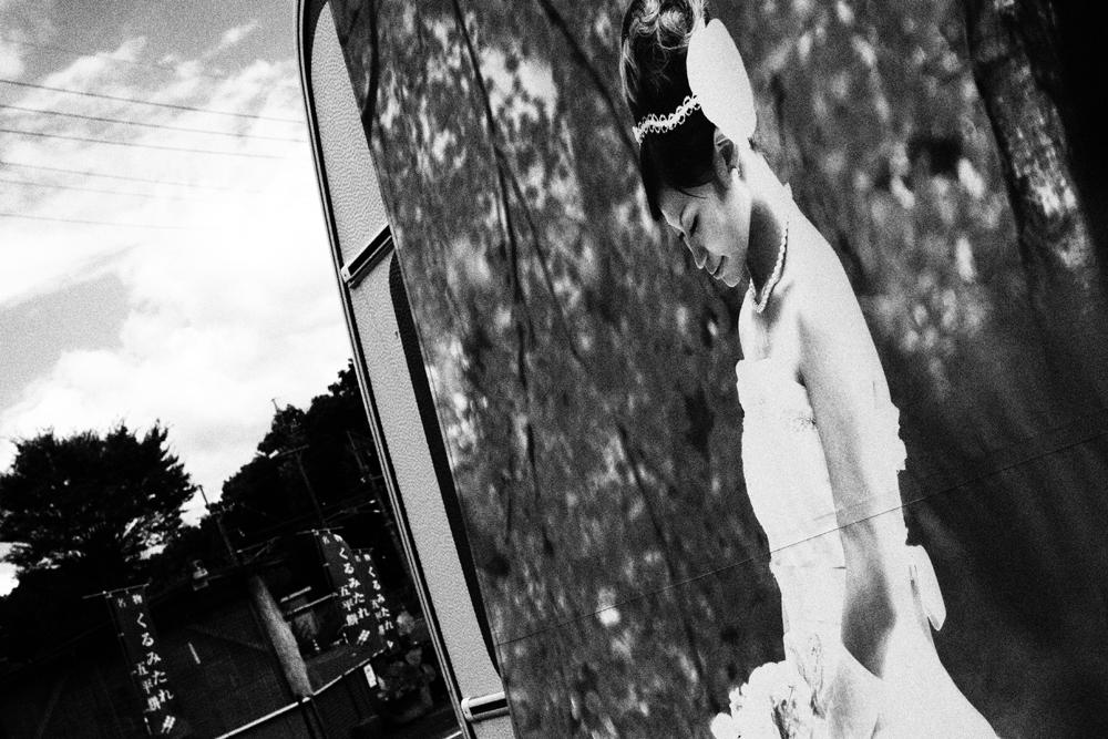 白黒写真 移動販売車を撮影