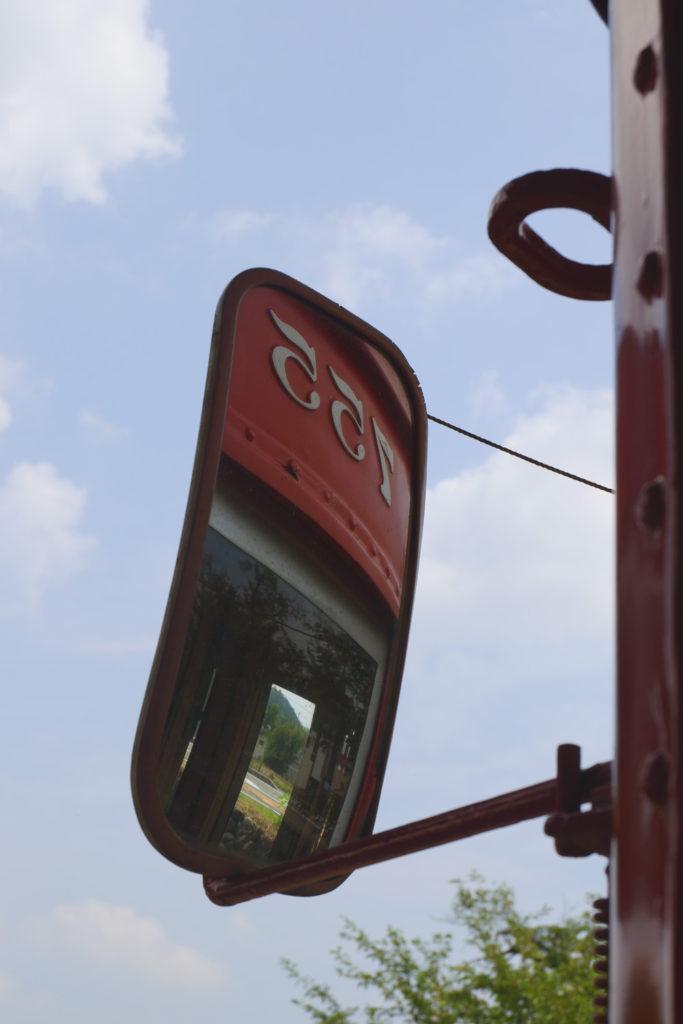 レトロな電車のミラー X-A3で撮影 岐阜