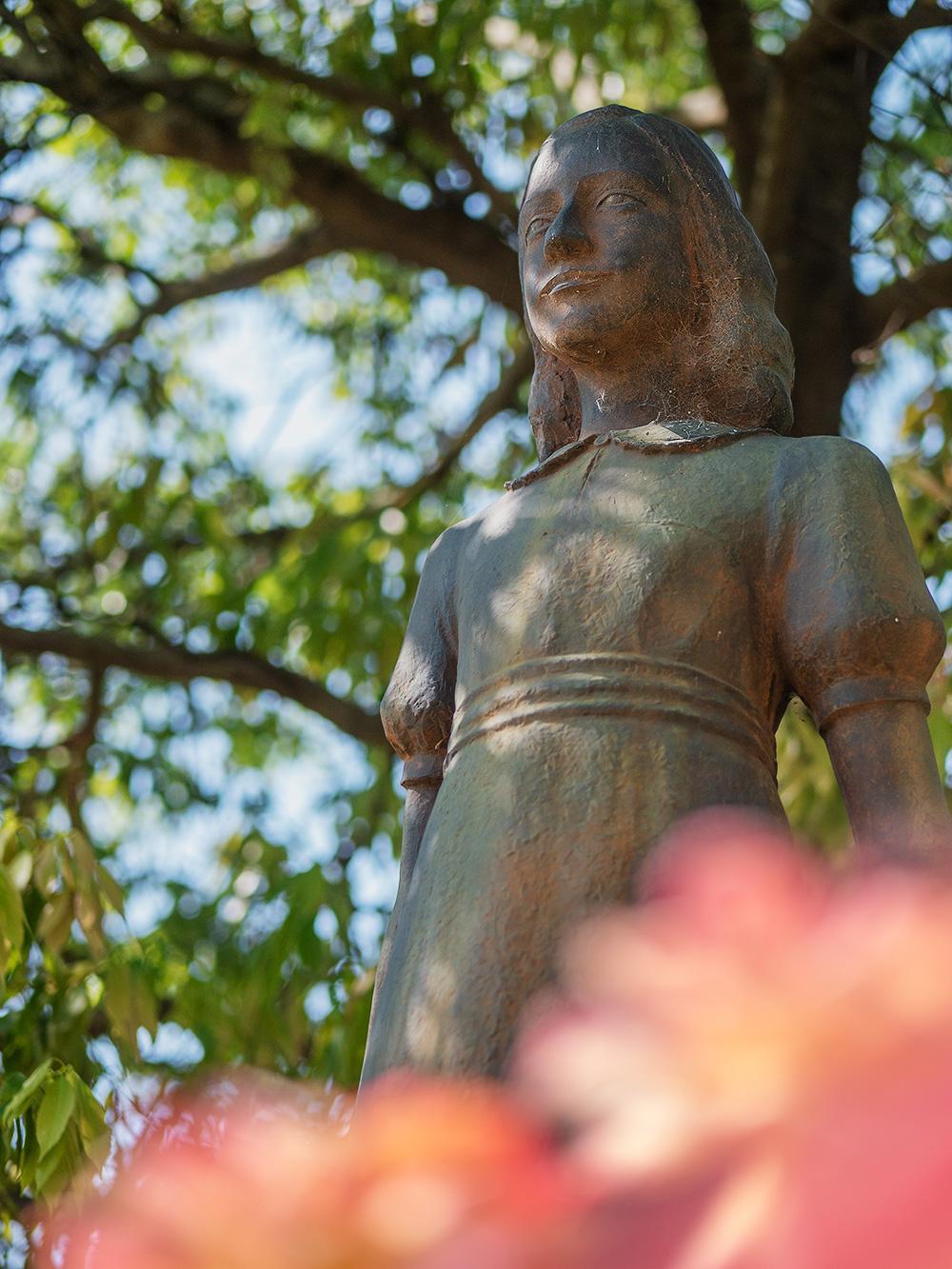 アンネ・フランクの銅像
