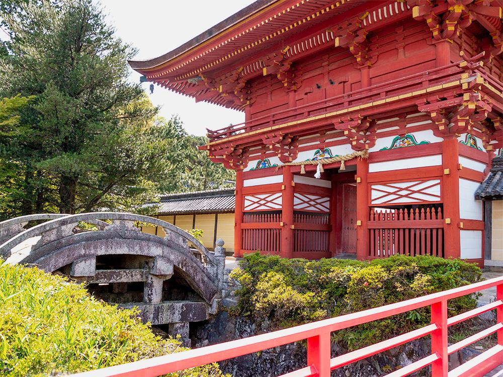 南宮大社 楼門と石輪橋